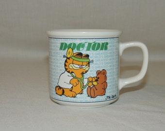 Vintage 1978 Garfield World's Greatest DOCTOR Teddy Bear Tea Cup / Coffee Mug
