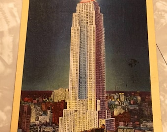 NYC Empire State Building at Night 1945 Linen Post Card Excellent Condition