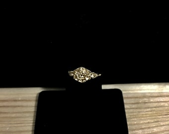 14K Yellow Gold Electroplated Stainless Steel Gold Rose Ring Size 6 (2 Grams)