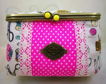 Organizer Sewin, in fabric and lace. Kisslok with Pearl. Customizable