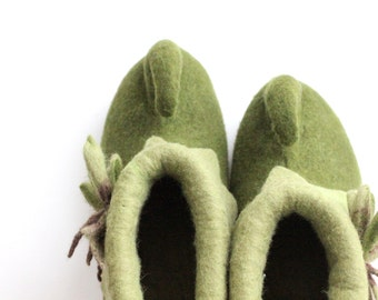 Felted elf shoes - felted boots - green fairy shoes - felted slippers - warm house shoes - gift for her - made to order