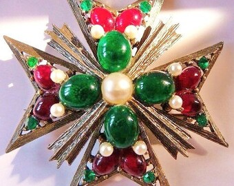 Weiss Maltese cross brooch pin pendant   faux emerald green ruby red pearl white   vintage jewelry   old jewelry   1950s 1960s