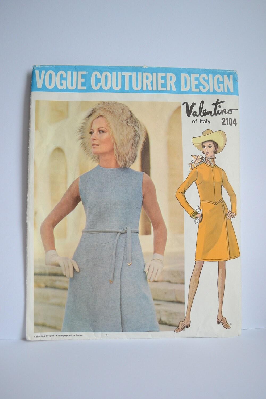 Vogue couturier design valentino dress 1960s pattern 2104 bust vogue couturier design valentino dress 1960s pattern 2104 bust 315 inches vintage sewing pattern short dress long sleeves sleeveless jeuxipadfo Choice Image