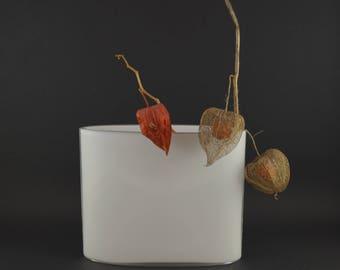 Tapio Wirkkala Ovalis White Vase for iittala Finland,  Mid Century Glass Vase, 70s Scandinavian Modern, Minimalist White Cased Glass Vase
