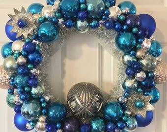 "Vintage Ornament Wreath 19"""