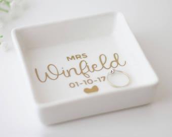 Personalised ring dish, bridal ring dish, jewelry ring dish, engagement ring dish, custom jewelry dish, ring holder, Wedding Ring Dish