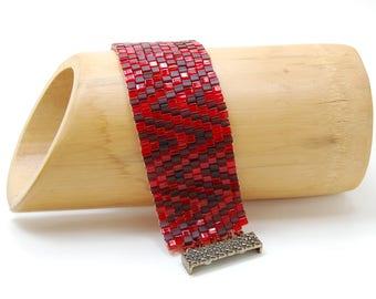 Heart Beats/Peyote Bracelet/Cube Cuff/Beadwoven Bracelet/Accessory/Gift for Her/Love/Zig-Zag Jewelry