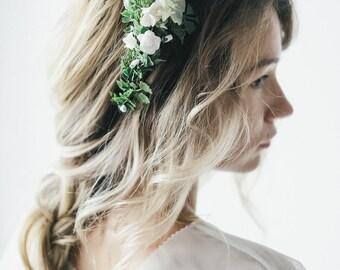 Bridal flower crown, Wedding flower crown, White flower crown, Floral crown, Bridal floral crown, Rustic headpiece, Bridal floral hairpiece