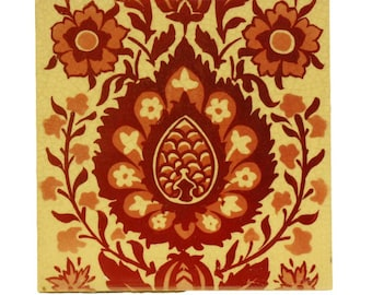 Single red & tan decorative tile