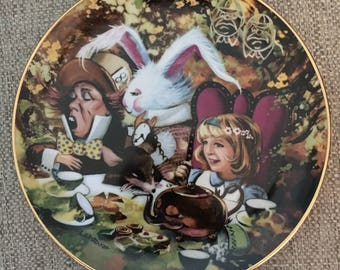 Alice in Wonderland, Vintage Alice in Wonderland, Vintage Plate, Collectible Plate,  The Mad Hatters Tea Party, Plate IV of Six