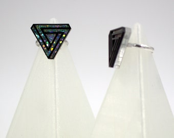 Infinite Triangle Ring