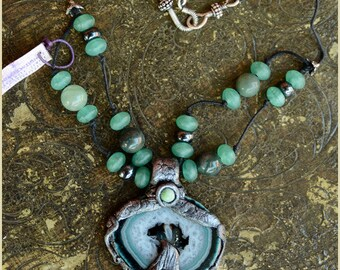 Listen to the Frog Agate necklace  - Handmade jewelry sculpt