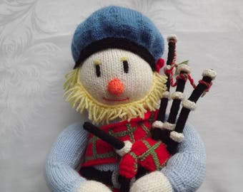 Scottish Knitted Highland Bagpipe Player with Tartan Tammy, Kilt ...Knitted Doll / Toy