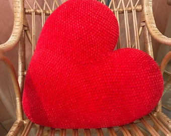 Knitted pillow heart