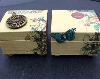 Alice In Wonderland mini boxes