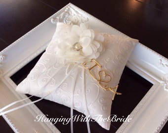 Ring bearer Pillow, lace ring bearer wedding pillow, personalized Ring bearer pillow