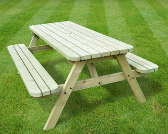 Oakham Rounded Picnic Table