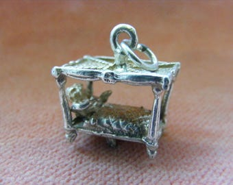 E) Vintage Sterling Silver Charm Couple in bed moves