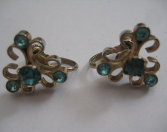 Priced Dropped on Vintage Screwback Earrings with Aqua Rhinestones Delicate and Lovely