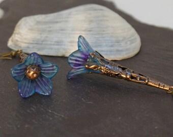 Lucite flower earrings, hand painted, boho chic earrings, drop earrings, lucite earrings, statement earrings, vintage style earrings.