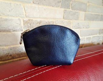 Porte monnaie en cuir véritable bleu métallisé. Cadeau à petit prix pour femme ou jeune fille très tendance