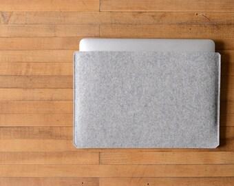 """Simple MacBook Air / MacBook Sleeve - Grey Felt - Long Side Opening for 11"""" MacBook Air, 13"""" MacBook Air or 12"""" MacBook"""