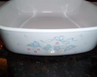 Corning Ware 1Quart/1Liter Country Cornflower AKA Blue Cornflower in a Basket Casserole Dish