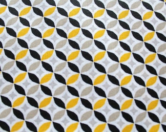 Laminated cotton fabric 50 x 70 cm yellow graphic