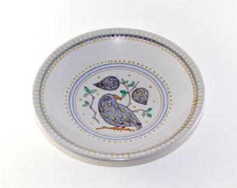 L Hjorth - Very beautiful stoneware bowl with a bird - Made in Denmark.