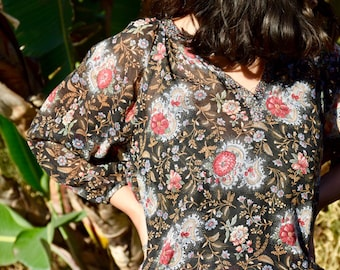 Beautiful Vintage Brown Floral Peasant Blouse  Size Small