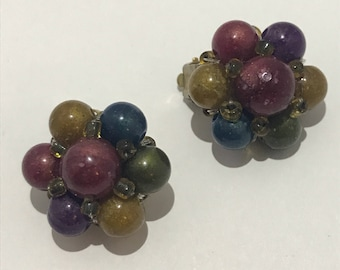 Flower earrings clips 1960s lucite beads with colors of autumn french vintage