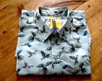Handmade Man Long Sleeves Fitted Shirt in Pure Cotton  In Blue and Green birds Pattern print