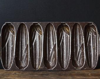 Vintage Cornbread Baking Pan | Farmhouse Kitchen
