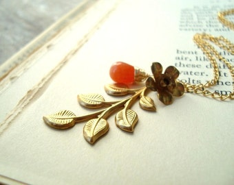 Autumn Leaf Necklace With Carnelian Brass Jewelry Gold Jewelry Vintage Style Fall Fashion Autumn Nature Inspired Woodland Leaf Jewelry