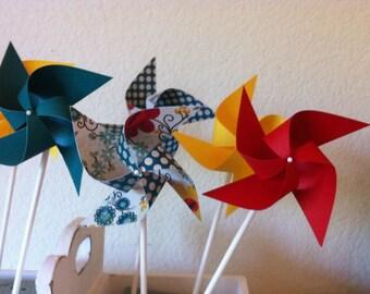 Pinwheels Favors 12 Mini Pinwheels Polka Dot Kisses (Custom orders welcomed)