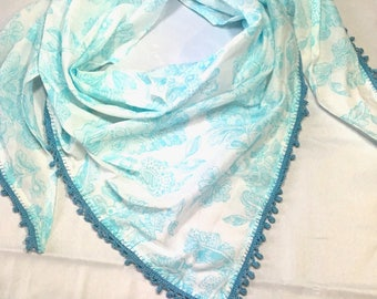 Cotton with pompom trim scarf