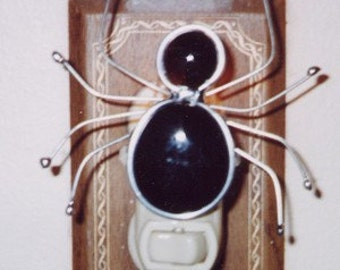Spider Night light - Stained Glass Nightlight - Black Glass Nuggets and Wire Spider Night Light