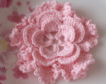 Crochet Flower in 3 inches in Lt Pink YH - 043-14