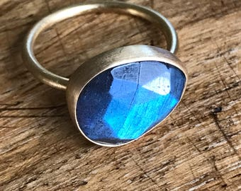 Holiday Collection: Freeform rose cut Labradorite Ring with round band. 14k yellow gold plated Sterling. Size 6.5
