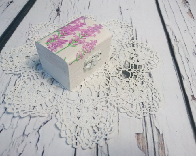 Lavender ring box romantic white engagement / Wedding ring box, pillow woodland Provance natural shabby chic proposal decoupage