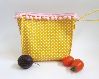 Reusable Lunch Bag, Oilcloth Bag, Food Storage Bag, Women's lunch bag.