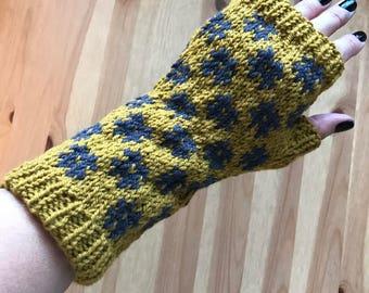 Fingerless gloves, hand knit gloves, wool gloves, stranded knit gloves, Japanese design gloves