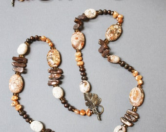 Autumnal Elegance // White Turquoise, Freshwater Pearl Necklace