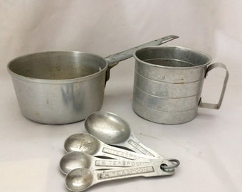 Vintage Aluminum Baking Set: Measuring Cup, Pot and Measuring Spoons