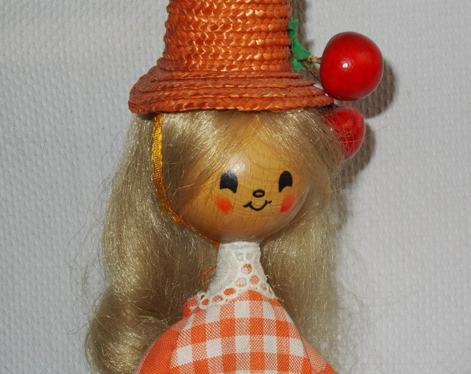 Vintage 50s 60s Handarbeit West Germany Holly Hobbie Mechanical It's A Small World Musical Wind-up Wooden Toy Doll
