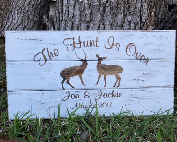 Wood Wedding Gift, Last Name Sign, Bridal Shower Gift, Custom Sign, Gift For Couple, Gift For Wedding, Rustic Wedding, Anniversary Gift
