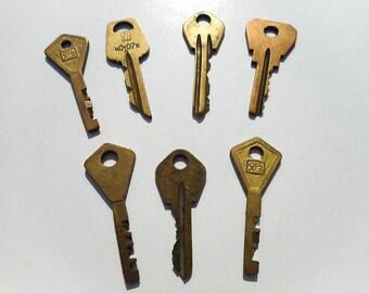 Vintage keys steampunk decor rustic keys photo props vintage key necklace antique keys for crafting supply old keys brass key vintage supply