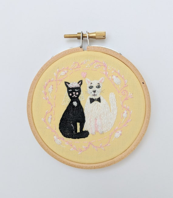 Wedding Cats embroidery. Hand embroidery hoop wall art with black kitty and white cat. Wedding Gift. Cat wall art. Embroidery wall hanging.
