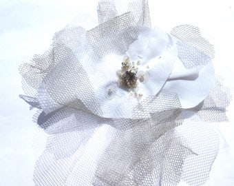 BROOCH FLOWER WHITE TULLE GREY RHINESTONE PEARL CRYSTAL 13 CM