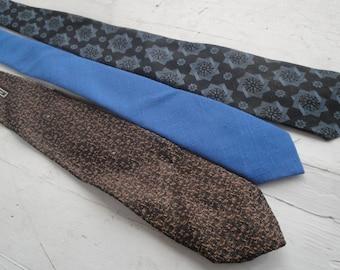 Vintage Necktie Navy Blue Brown Skinny Polyester Set of 3